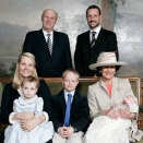 Official photograph of the Royal Family from the Birdroom in the Royal Palace  (Photo Bjørn Sigurdsøn / Det Kongelige Hoff / Scanpix)