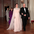 King Harald and Duchess Catherine arrive for this evening's dinner. Photo: Lise Åserud / NTB scanpix