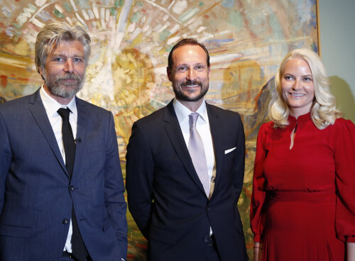 "The Crown Prince and Crown Princess with Karl Ove Knausgård at the opening of the exhibition ""Towards the Forest – Knausgård on Munch"". Photo: Terje Bendiksby/NTB scanpix"