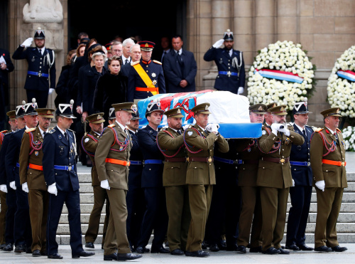 Grand Duke Jean's casket being carried out of the cathedral after the ceremony. Photo: REUTERS/Francois Lenoir.
