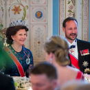 Queen Silvia and Crown Prince Haakon under gallamiddagen. Foto: Heiko Junge / NTB scanpix