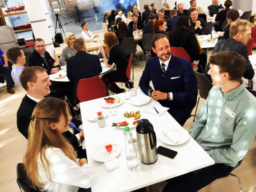 During the SIKT conference 2016, the Ålesund region's trade and industry association invited 80 young leaders and talented individuals from the surrounding area to a breakfast meeting. Photo: Christian Lagaard, The Royal Court