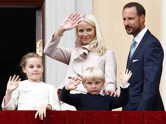 挪威的國王是哈拉爾德五世(King Harald V)。2004年出生的英格麗公主現年17歲,是哈康王儲(Crown Prince Haakon)和梅特王妃(Crown Princess Mette-Marit)的長公主。