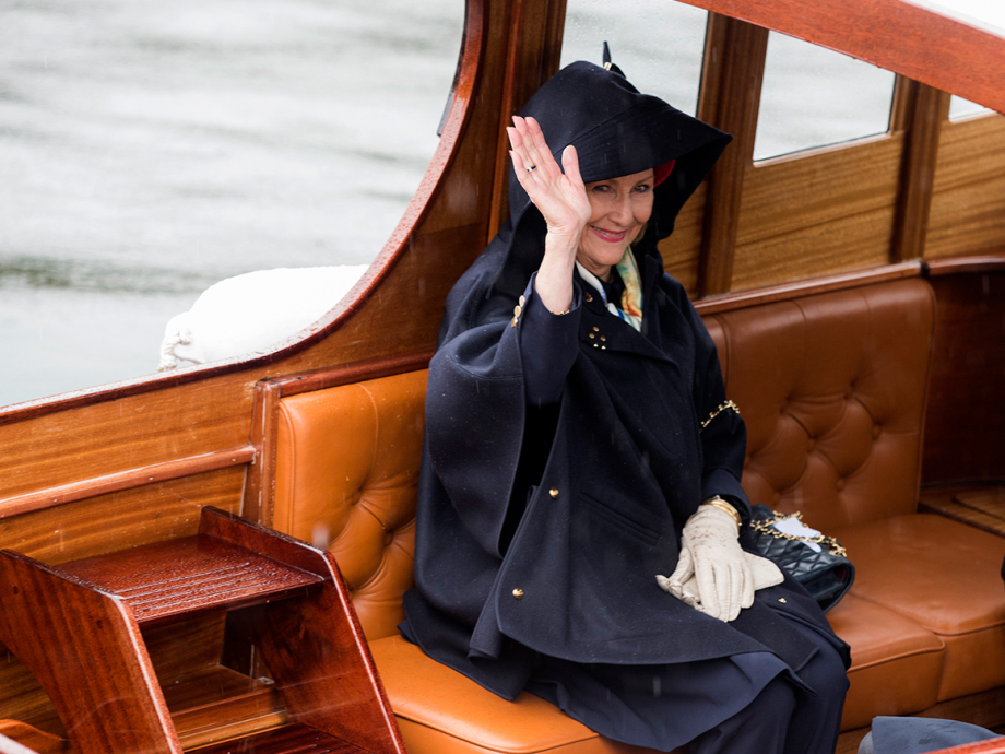 Queen Sonja on her way to the Royal Yacht Norge. Photo: Berit Roald / NTB scanpix