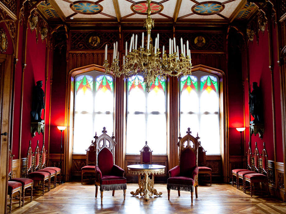 The salon evokes the style of the old Norwegian guildhall. Photo: Anette Karlsen, NTB scanpix.