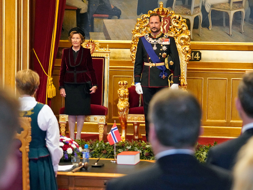 The Crown Prince Regent and the Queen at the opening of the 165th Storting. Photo: Heiko Junge / NTB