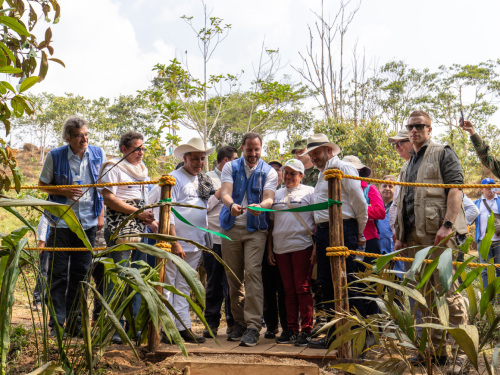 The Crown Prince inaugurated the Caño Rojo Trail – a new addition to the growing ecotourism programme. Photo: FN-sambandet / Eivind Oskarson.