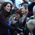 The Duke and Duchess of Cambridge took their time in greeting the students. Photo: Terje Pedersen / NTB scanpix