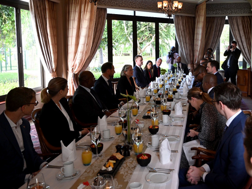 The day began with a breakfast meeting with government and business representatives from Norway and Mozambique. Photo: Sven Gj. Gjeruldsen, The Royal Court