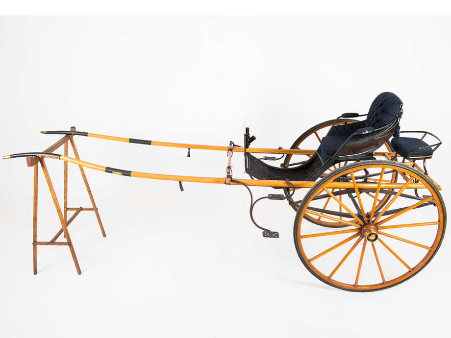 Queen Maud's cariole was delivered by carriage maker Peder Norseng of Hamar. It had a small passenger seat at the back for Crown Prince Olav. Photo: Jan Haug, The Royal Collections