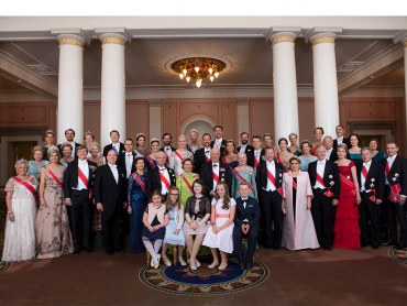 Guests photographed with the birthday celebrants prior to this evening's gala dinner. Photo: Thomas Brun / NTB scanpix