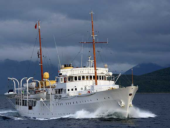 The Royal Yacht Today The Royal House Of Norway