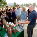 The Crown Prince and Crown Princess were given a presentation on the important work of clearing landmines by Norwegian People's Aid. Photo: Lise Åserud, NTB scanpix