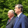 King Harald and President Danilo Türk stand at attention while their national songs are played during the welcoming ceremony outside of Ljubljana. (Photo: Srdjan Zivulovic, Reuters / Scanpix)