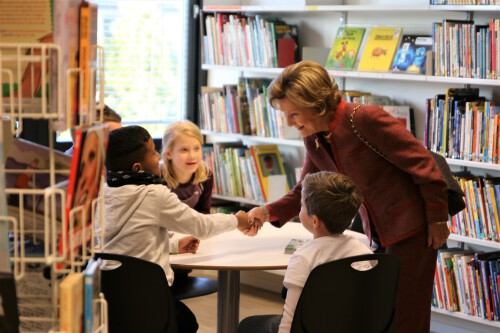 Queen Sonja visits Stigeråsen primary school in 2019. Photo: Sara Svanemyr, the Royal Court