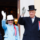 The Royal Family greets the Children's Parade in Oslo from the Palace Balcony. Photo: Heiko Junge, NTB scanpix