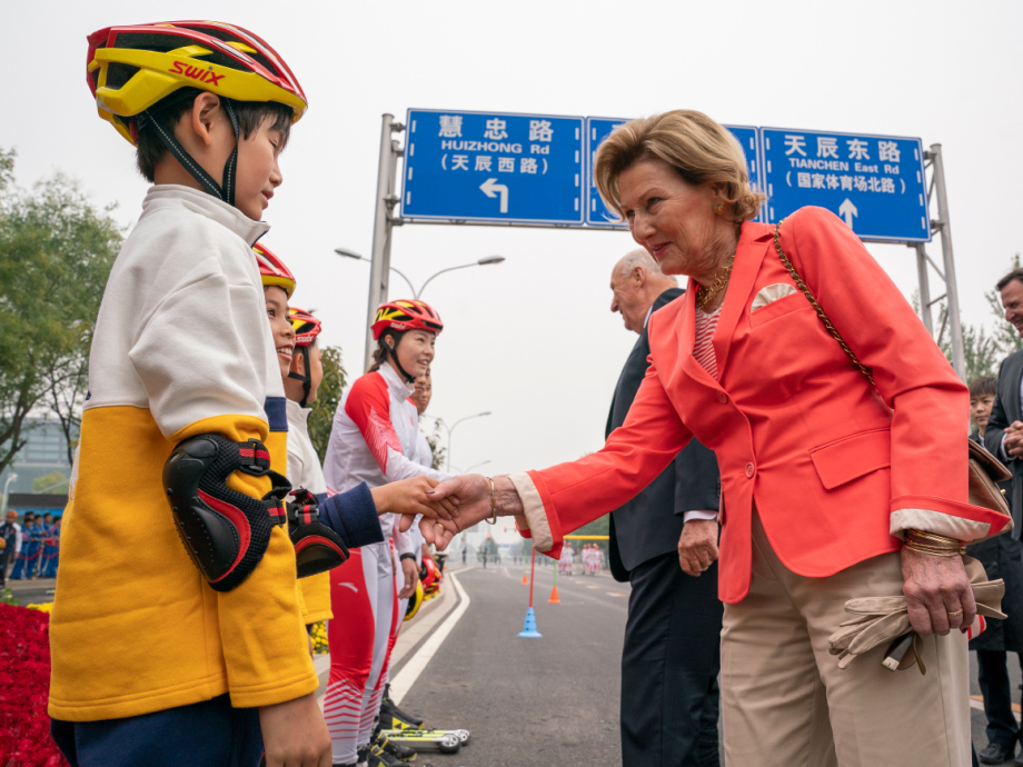 King Harald and Queen Sonja met both Chinese and Norwegian athletes. Photo: Heiko Junge / NTB scanpix
