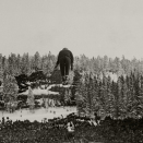The Holmenkollen ski jumping hill 1922-23 (Photo: Sport & General, Press Agency, London / The Royal Court Photo Archives)