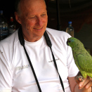 Domesticated parrots are part of village life. (Photo: Rainforest Foundation Norway / ISA Brazil)