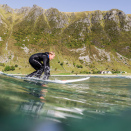 Surfing in Hoddevik. Handout picture from the Royal Court published 07.102017. For editorial use only, not for sale. Foto: Fjordlapse Photography, Det kongelige hoff.