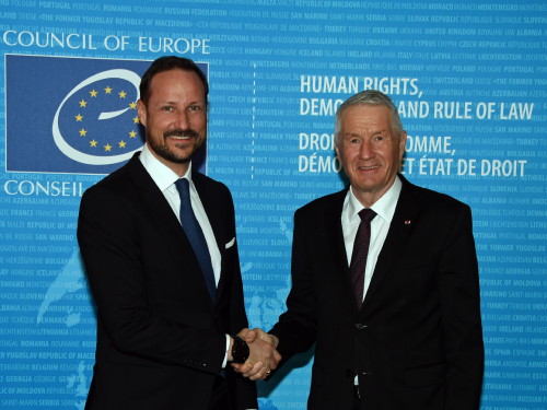 Crown Prince Haakon began the day meeting with the Secretary General of the Council of Europe, Thorbjørn Jagland. Photo: Sven Gj. Gjeruldsen, The Royal Court
